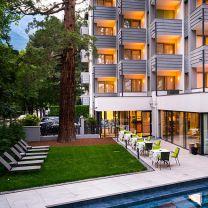 Flora Hotel & Suites ***