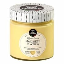 Mayonnaise, auch als Mayo bzw. Majo bezeichnet, ist eine dickflüssige, kalt hergestellte Sauce