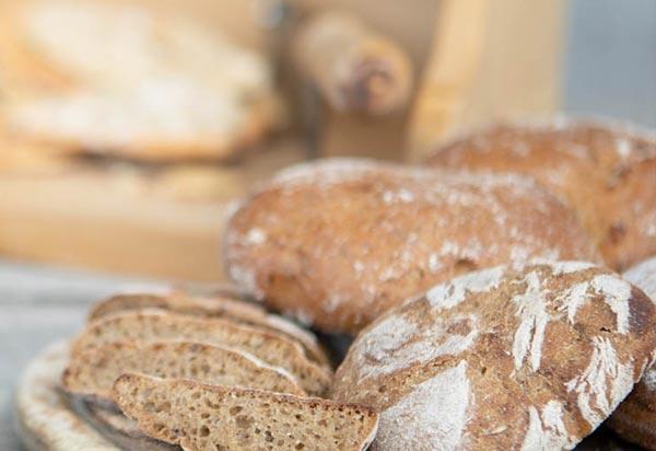 Brot Getreide und Saaten
